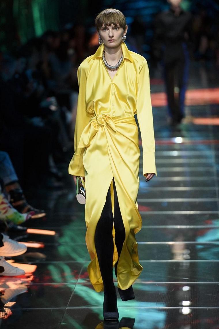 balenciaga-tendencias-moda-pasarela-estilo-color-amarillo
