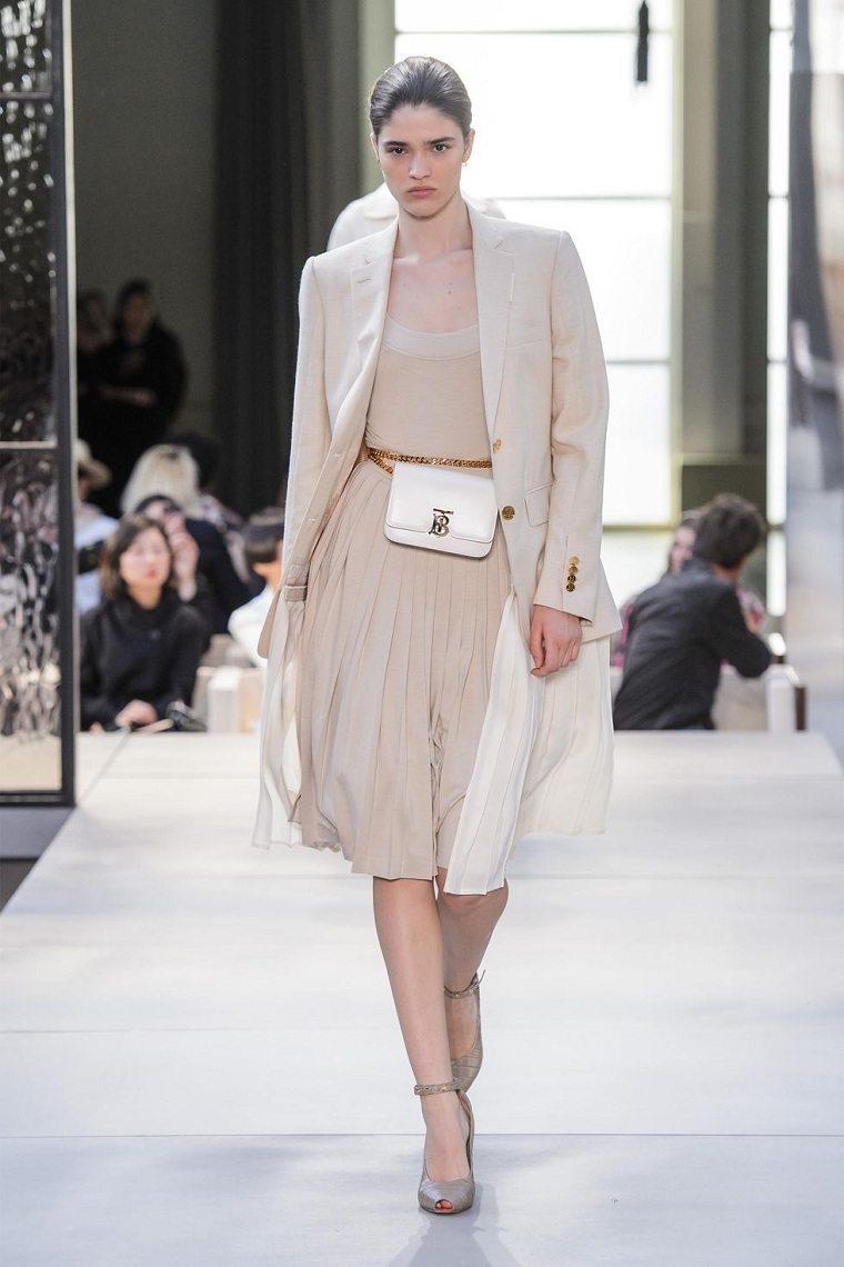 burberry-vestido-moderno-color-neutral