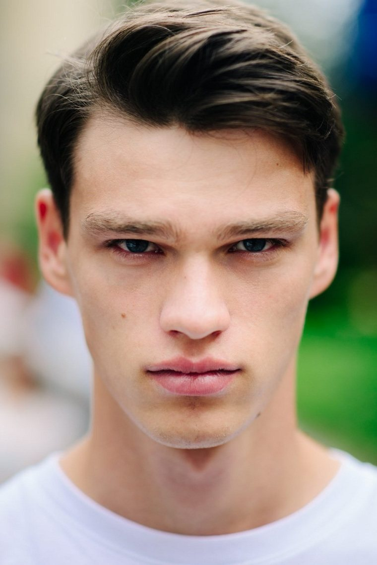 chico-joven-ideas-corte-cabello-estilo-moda