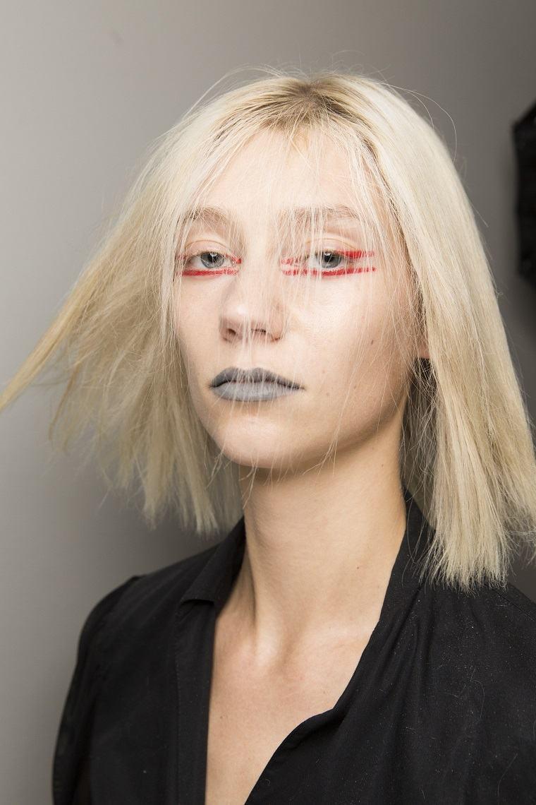 cortes-de-cabello-color-rubio-blanqueado-modelo