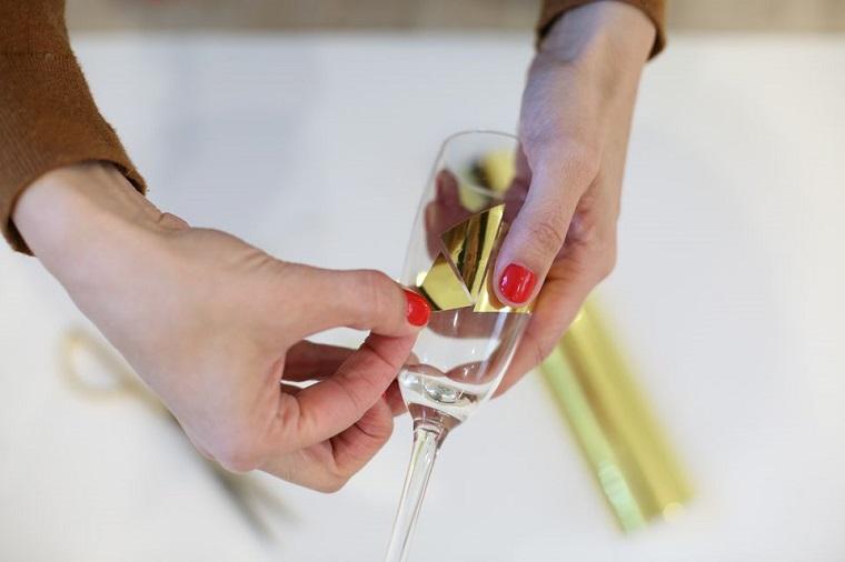 crear-copas-oro-ideas-estilo-regalo-DIY