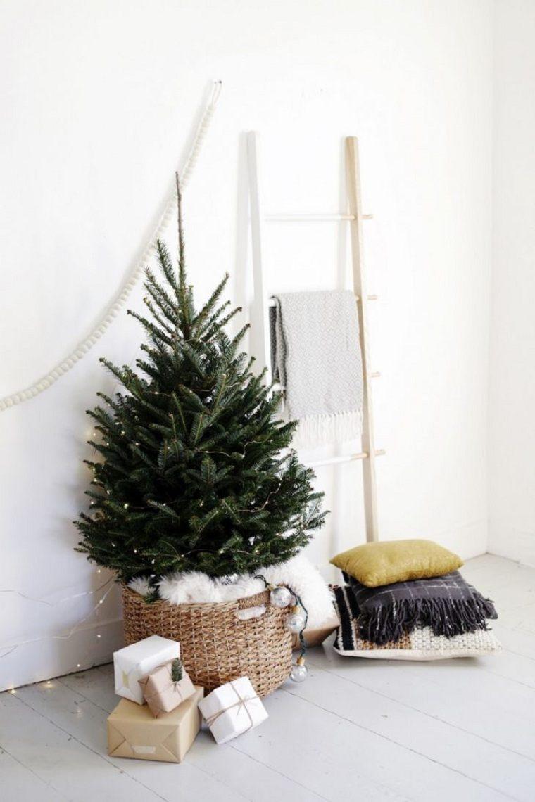 decoracion-modesta-casa-arboles-navidad-estilo