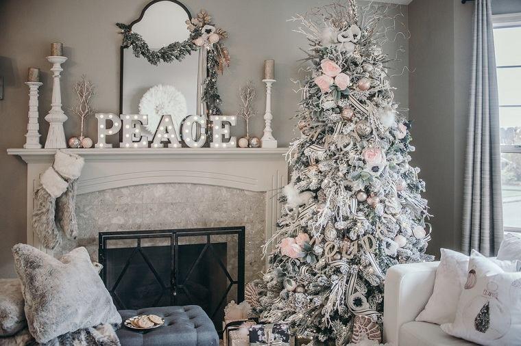decoracion-rosa-sala-estar-chimenea-navidad