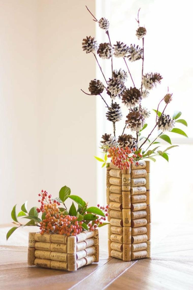 Centros de mesa decorados con tapas de corcho