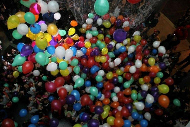 fiesta-con-muchos-globos