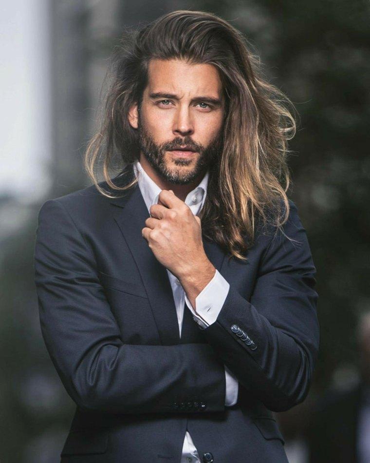 hombre-estilo-elegante-cabello-largo-estilo-moda
