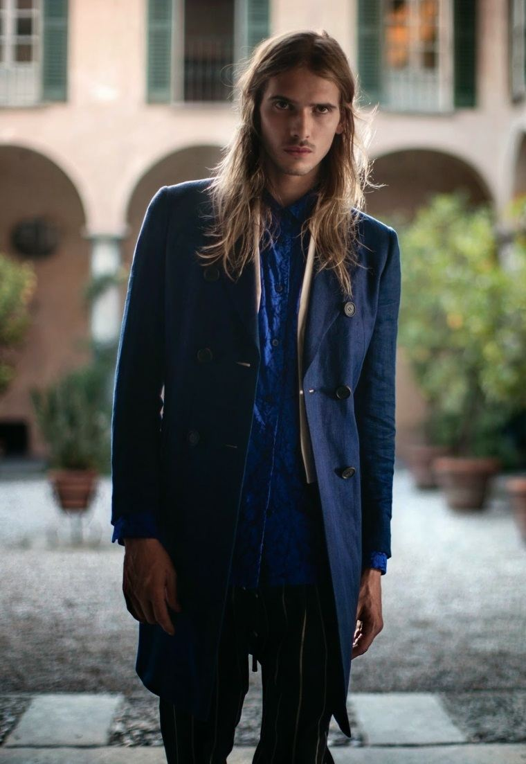 hombres-elegantes-cabello-largo-estilo-masculino