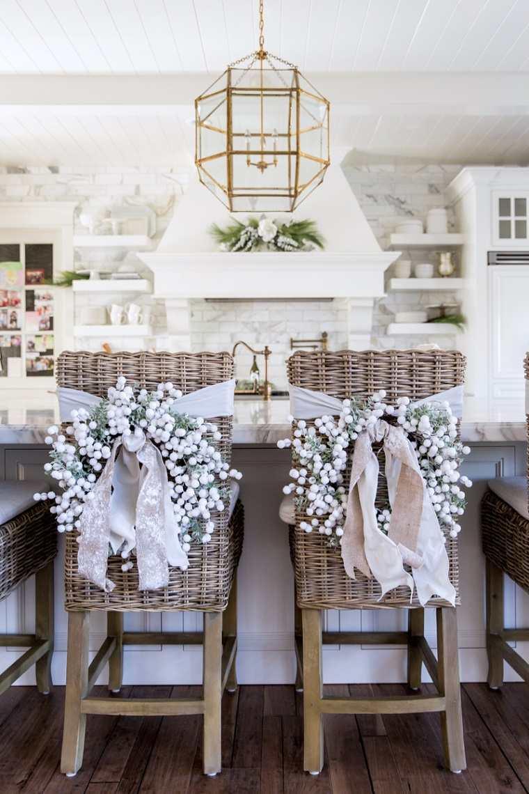 ideas-decoracion-sillas-casa-coronas-blancas-ideas
