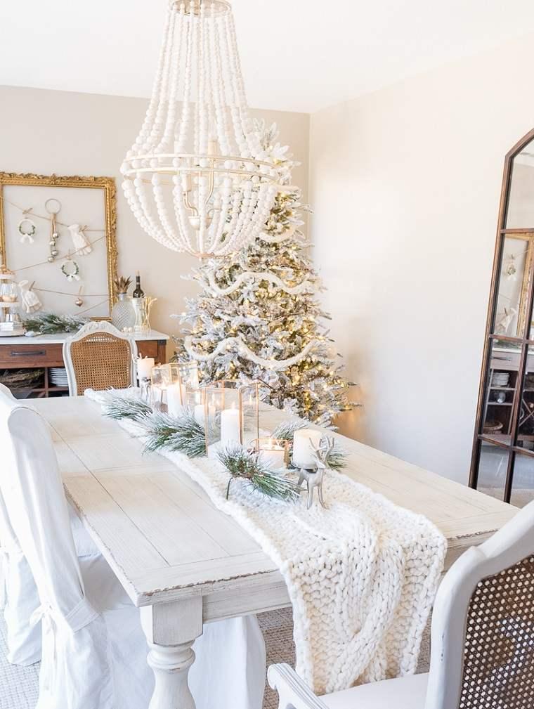 ideas-decorar-comedor-estilo-casa-navidad-decorada-blanco
