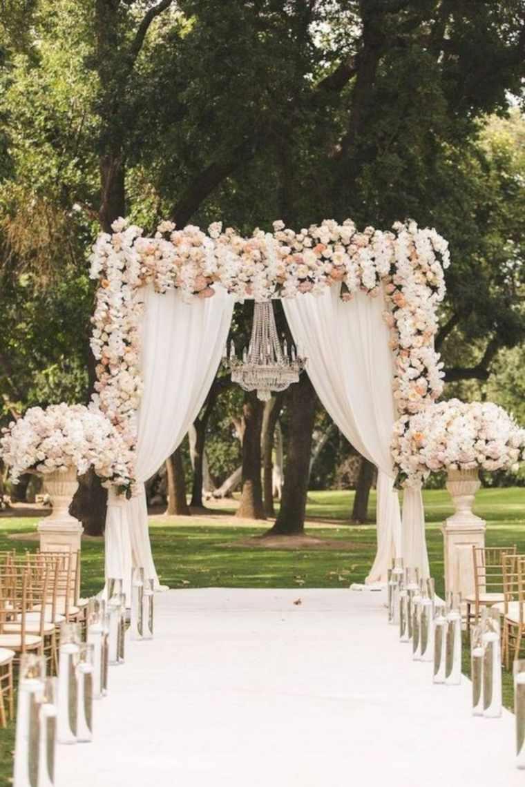 ideas-para-bodas-2019-estilo-camino-altar