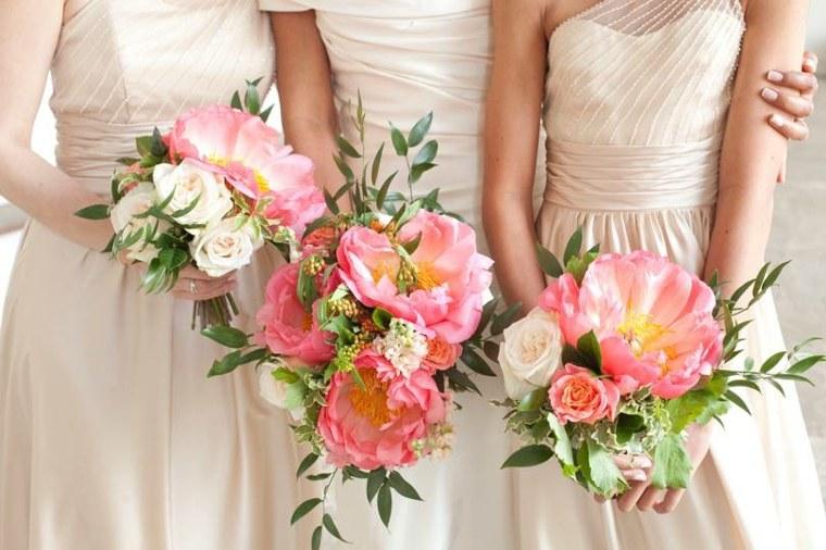 ideas-para-bodas-2019-estilo-flores-novia