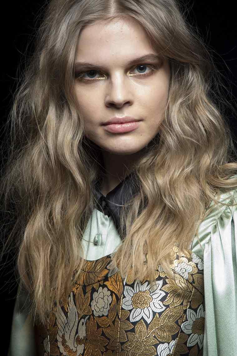 jill-stuart-cabello-rubio-oscuro-opciones-estilo-moda