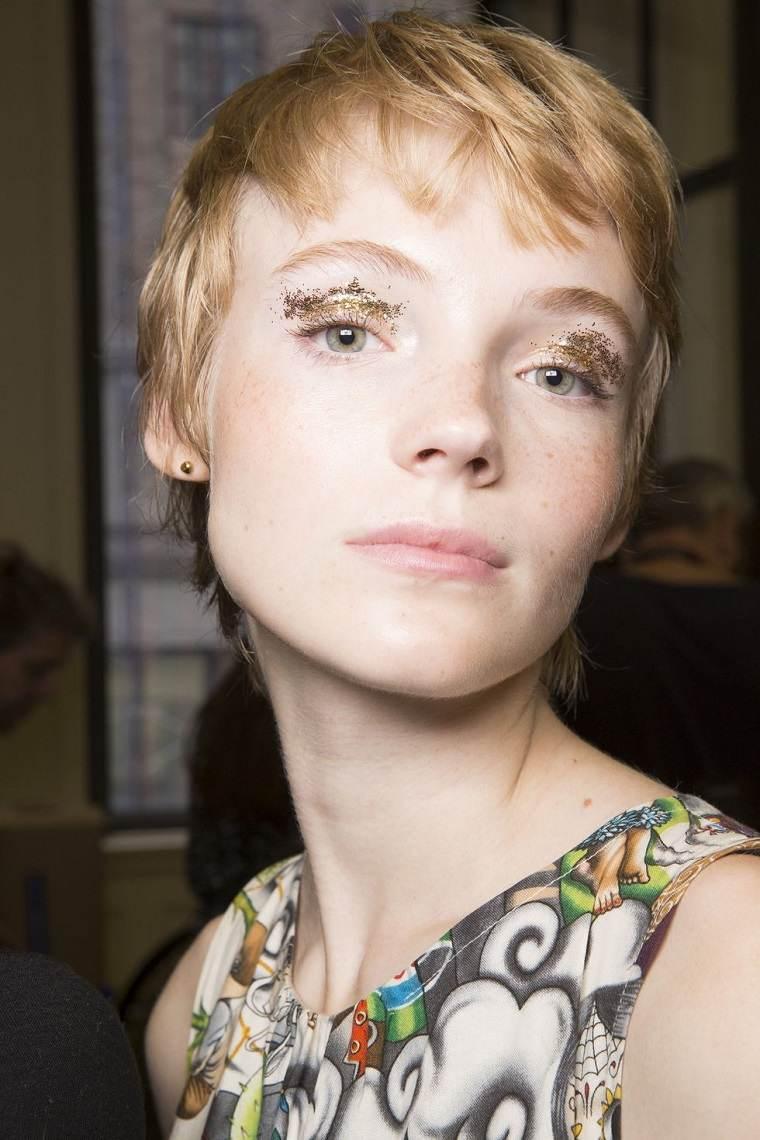 kate-spade-brillo-ojos-modelo
