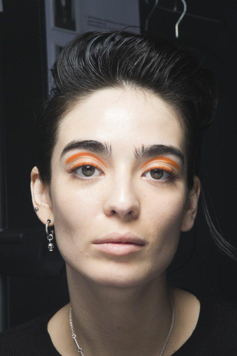 laroche-color-naranja-estilo-mujer