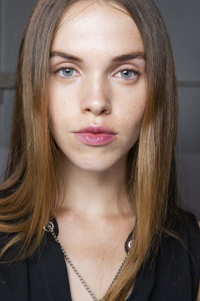 maquillaje-de-ojos-pasarela-Jonathan-Simkhai
