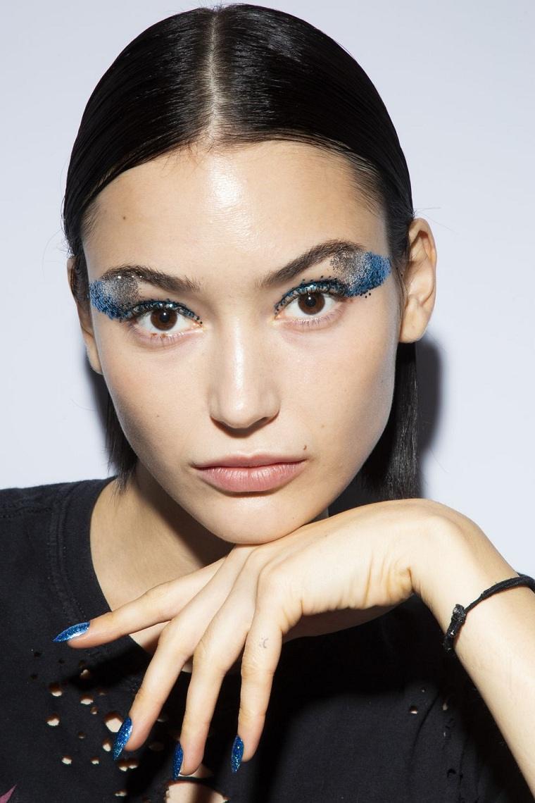 maquillaje-ojos-pasarela-2019-primavera-Tadashi-Shoji