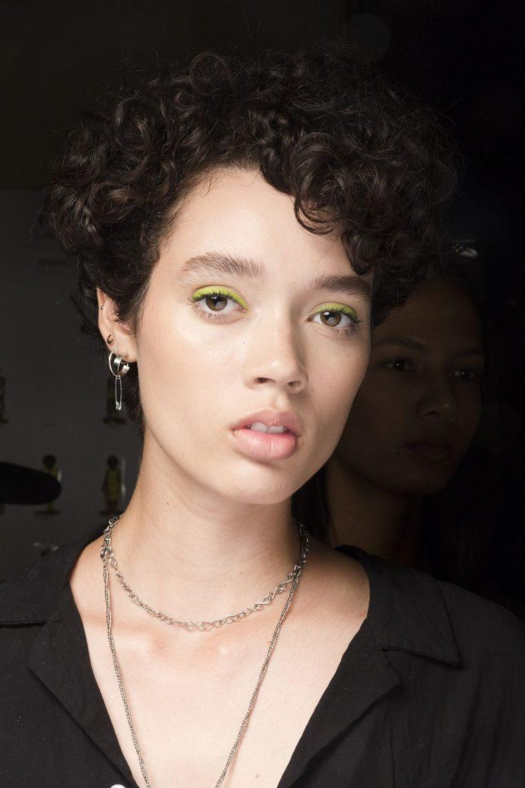 maquillaje-ojos-pasarela-primavera-2019-siriano