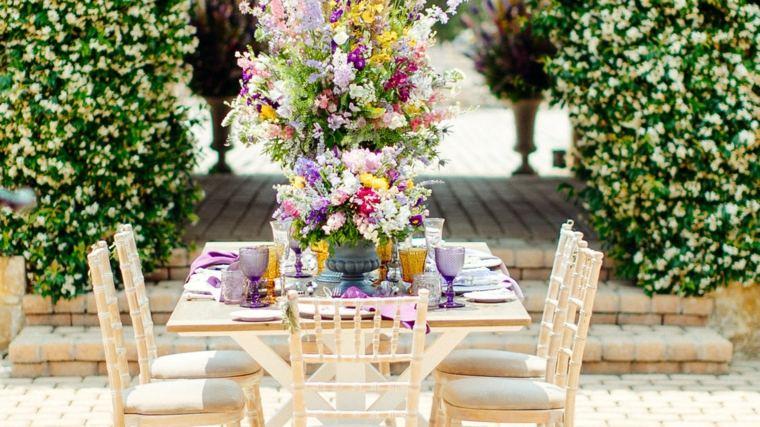 mesa-boda-aire-libre-flores-decoracion-opciones