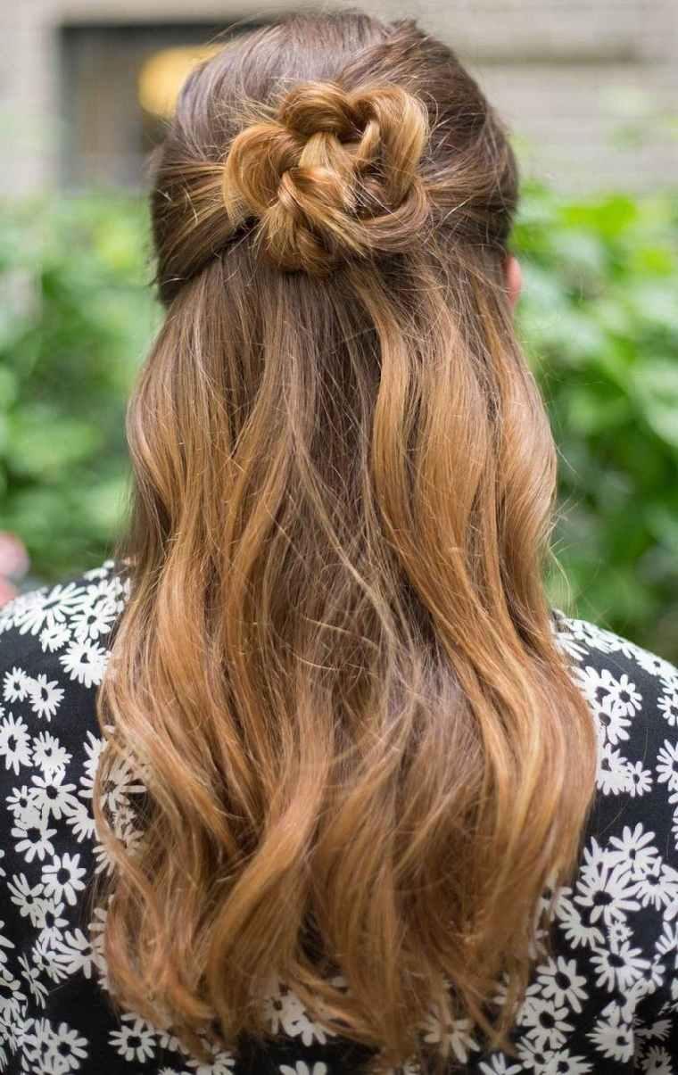 peinados para cabello largo-trenza-flor