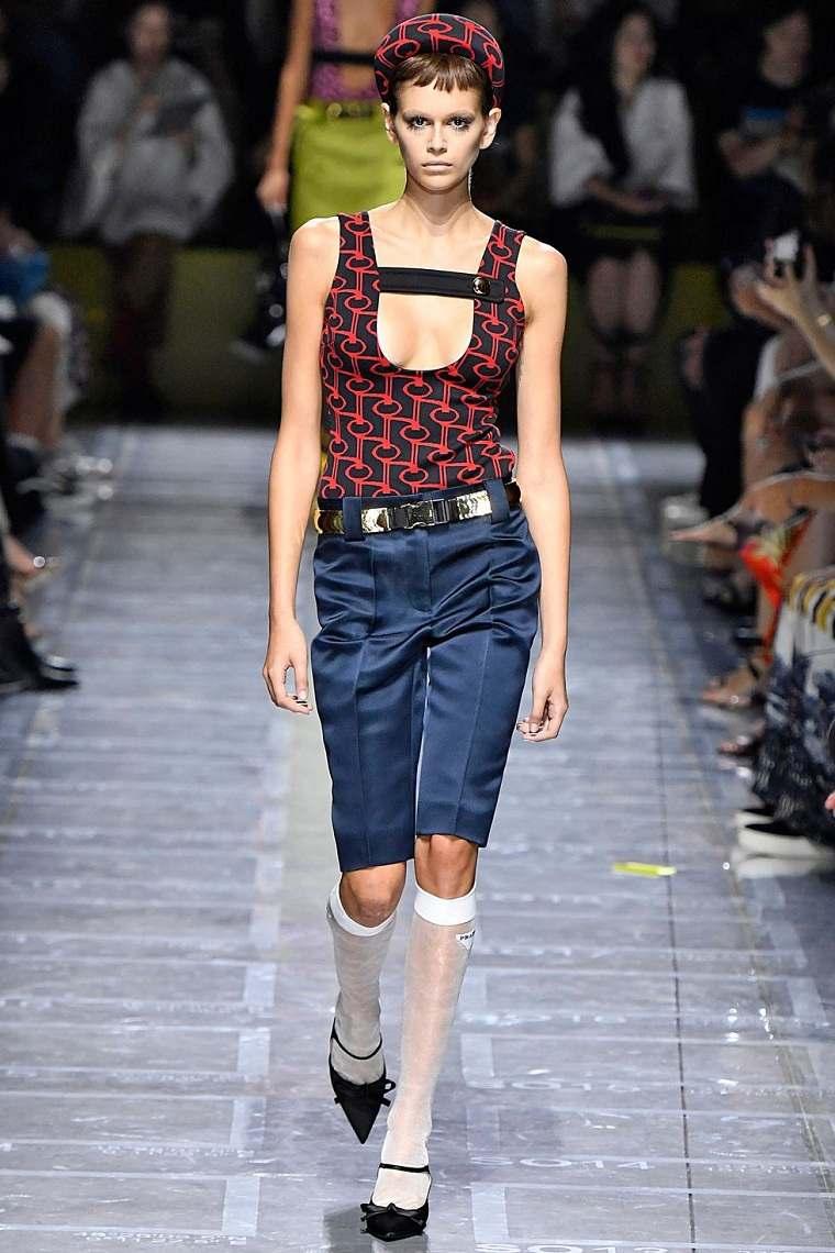 prada-pantalones-modernos-cortos-primavera