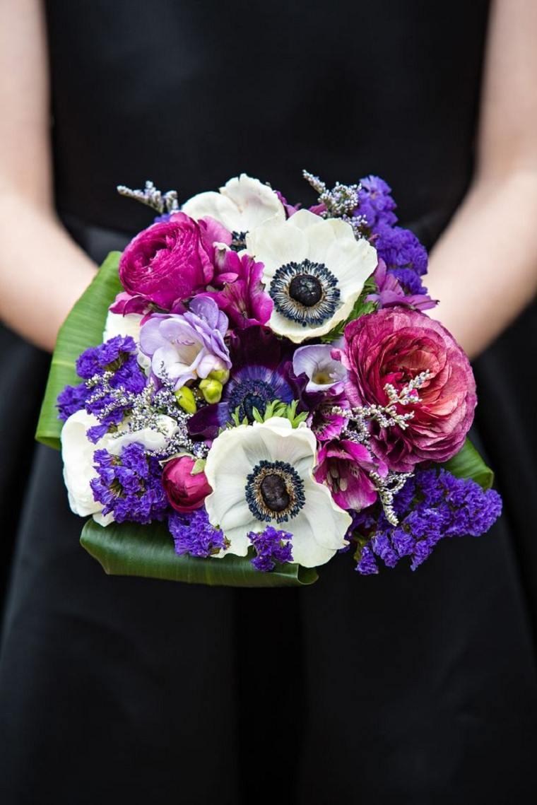 ramo-bello-rosa-purpura-anemonias-blancas-acento