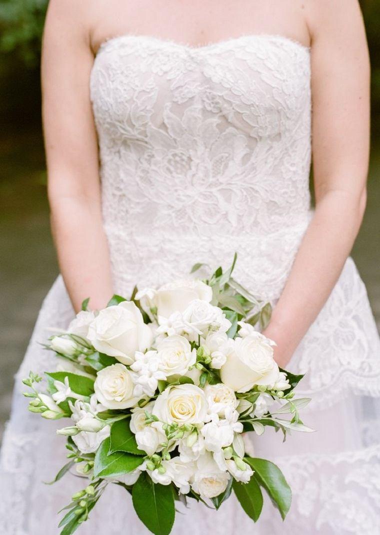 ramo-novia-blanco-clasico-stephanotis-rosas