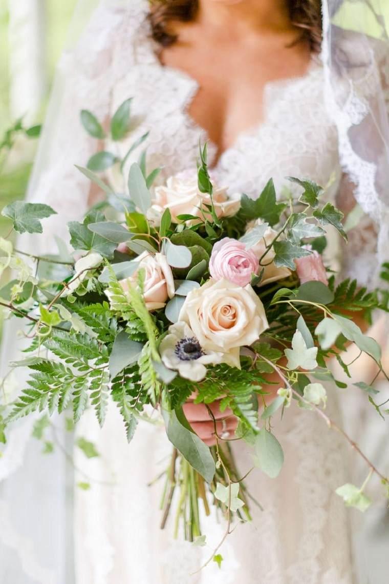 ramo-rosas-anemonias-ranunculu-verde