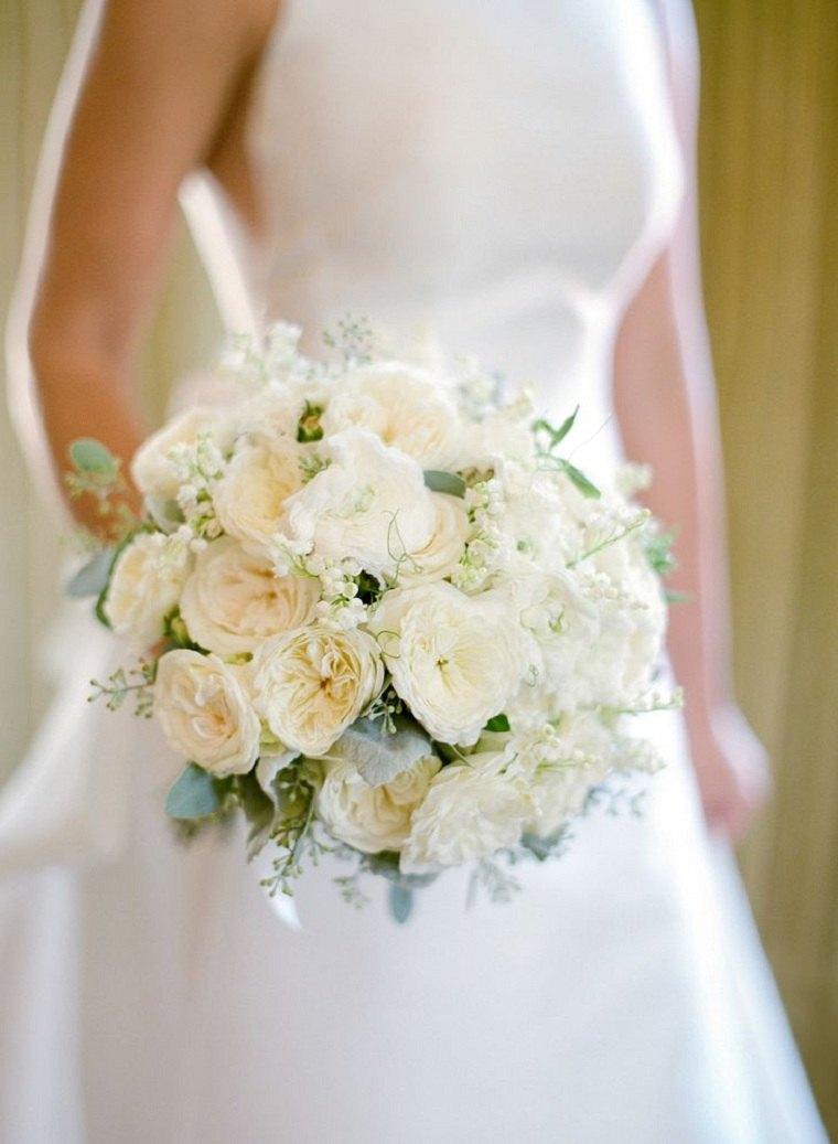 ramo-rosas-gypsophila-opciones-estilo-moda