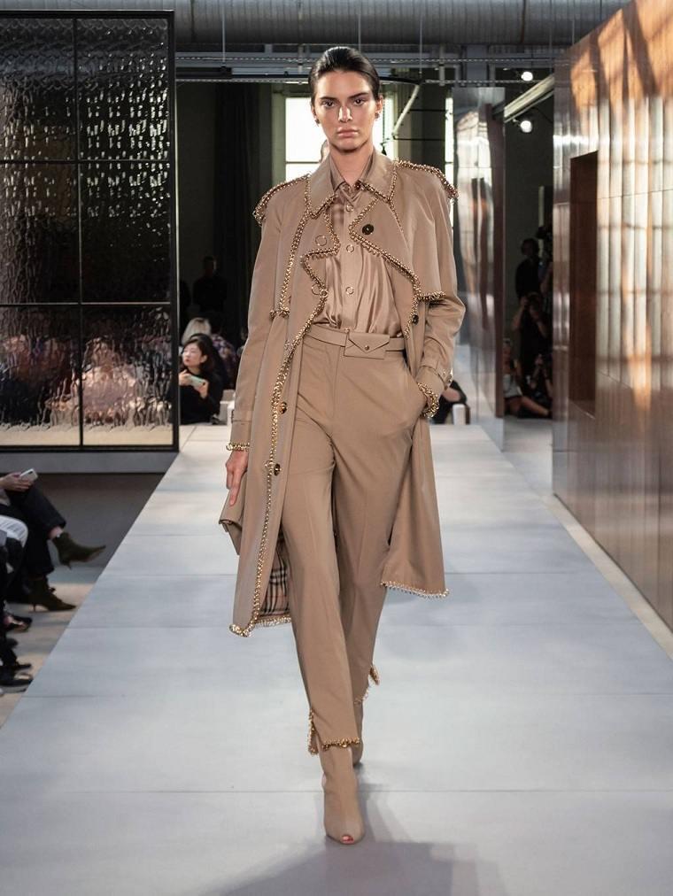 tendencias-de-moda-color-beige-burberry