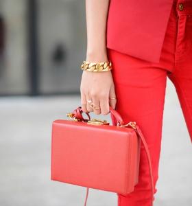 tendencias-moda-color-coral-estilo-bolso