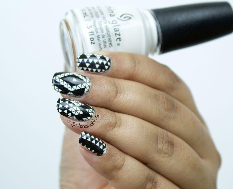 unas-decoradas-diseno-geometrico-blanco-negro