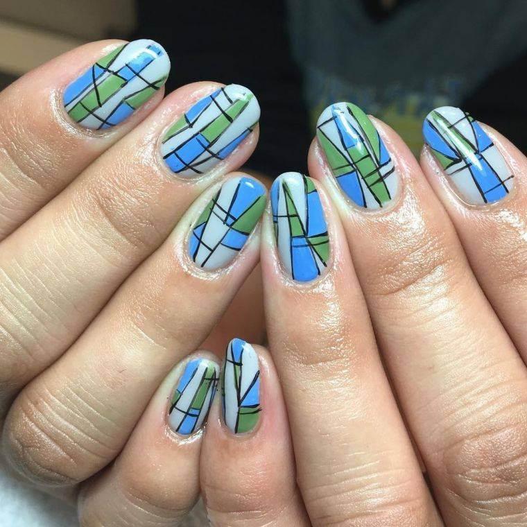 unas-diseno-geometrico-azul-verde