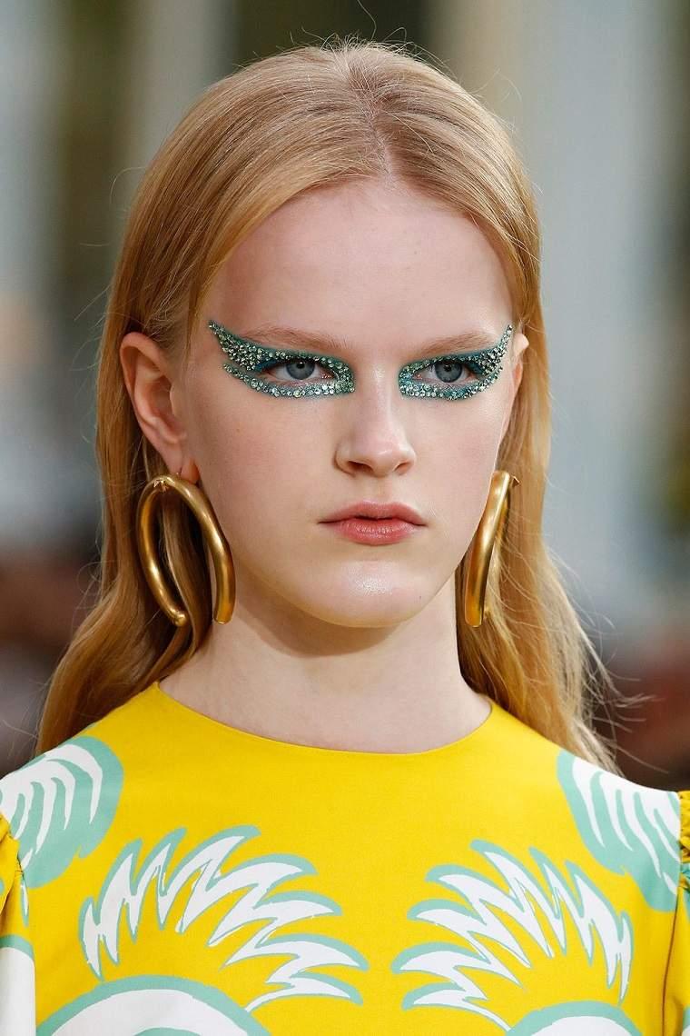 valentino-brillo-ojos-modelos-estilo-primavera