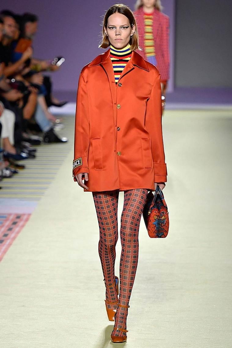 versace-chaqueta-naranja-opciones-estilo-moda