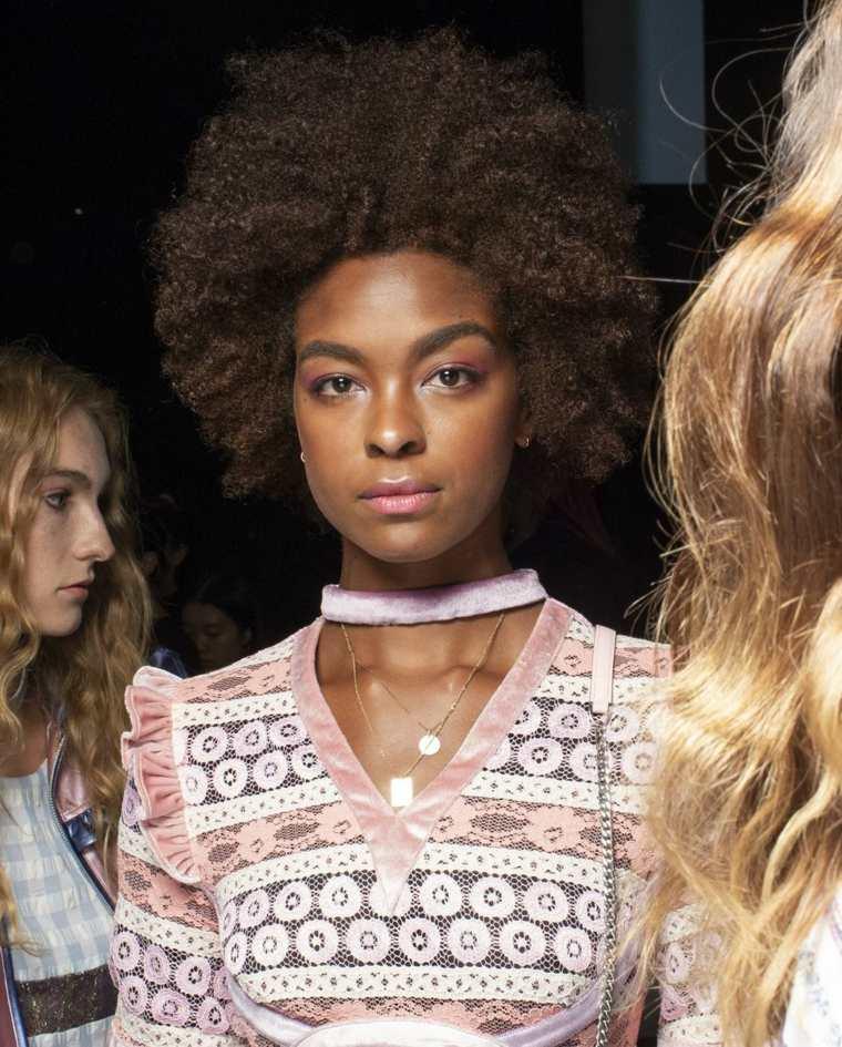 vivienne-primavera-2019-maquillaje-pasarelas-ideas