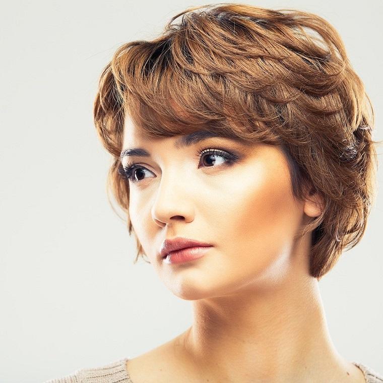 cabello-corto-ideas-2019-mujer-estilo