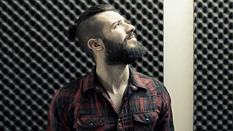 cabello-hombre-moderno-barba-estilo