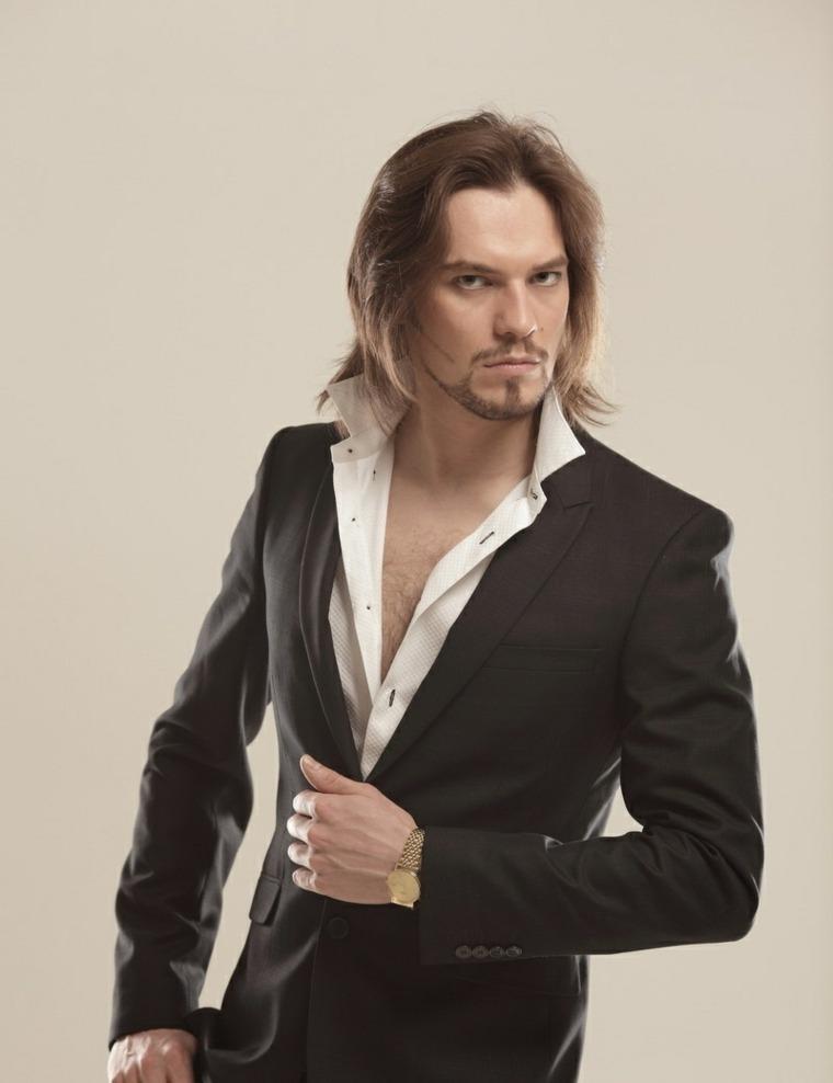 cabello-largo-baraba-corta-hombre-estilo-moda