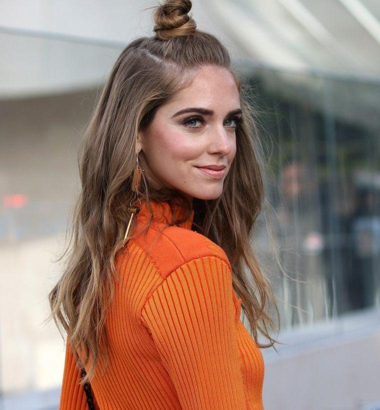 cabello-largo-color-natural-mujer-estilo