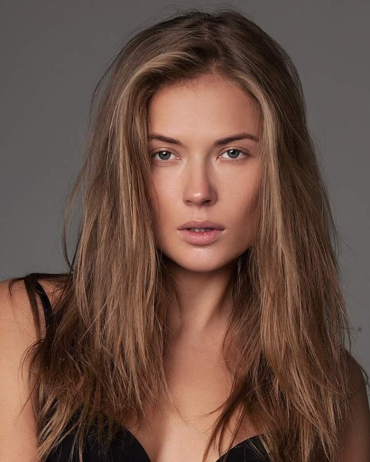 cabello-largo-mujer-estilo-moda-2019