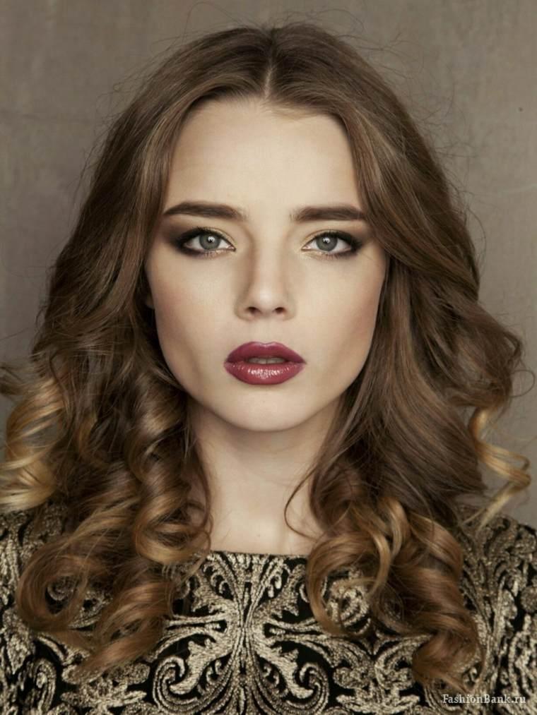 cabello-longitud-media-rizos