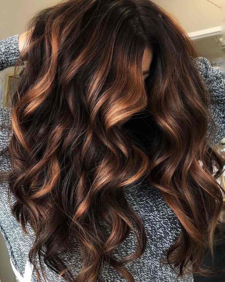 cabello-mujer-corte-bob-largo-rizado-estilo-ideas
