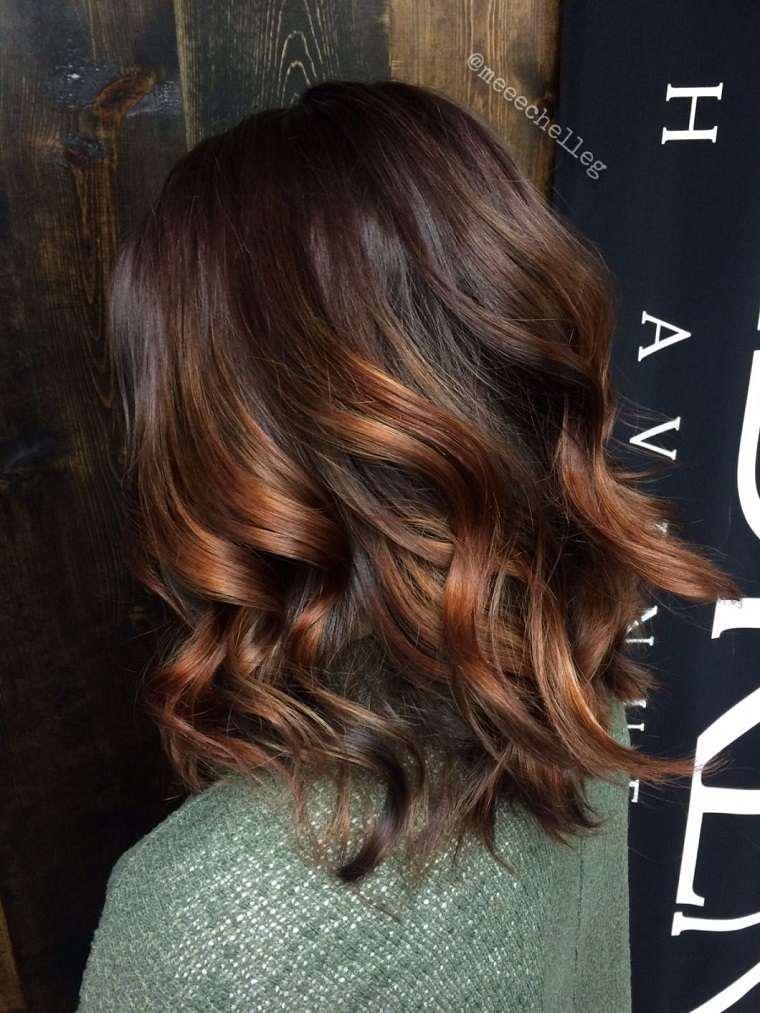 cabello-mujer-corte-bob-largo-rizado-estilo