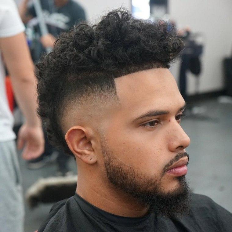 cabello-rizado-Mohawk-estilo