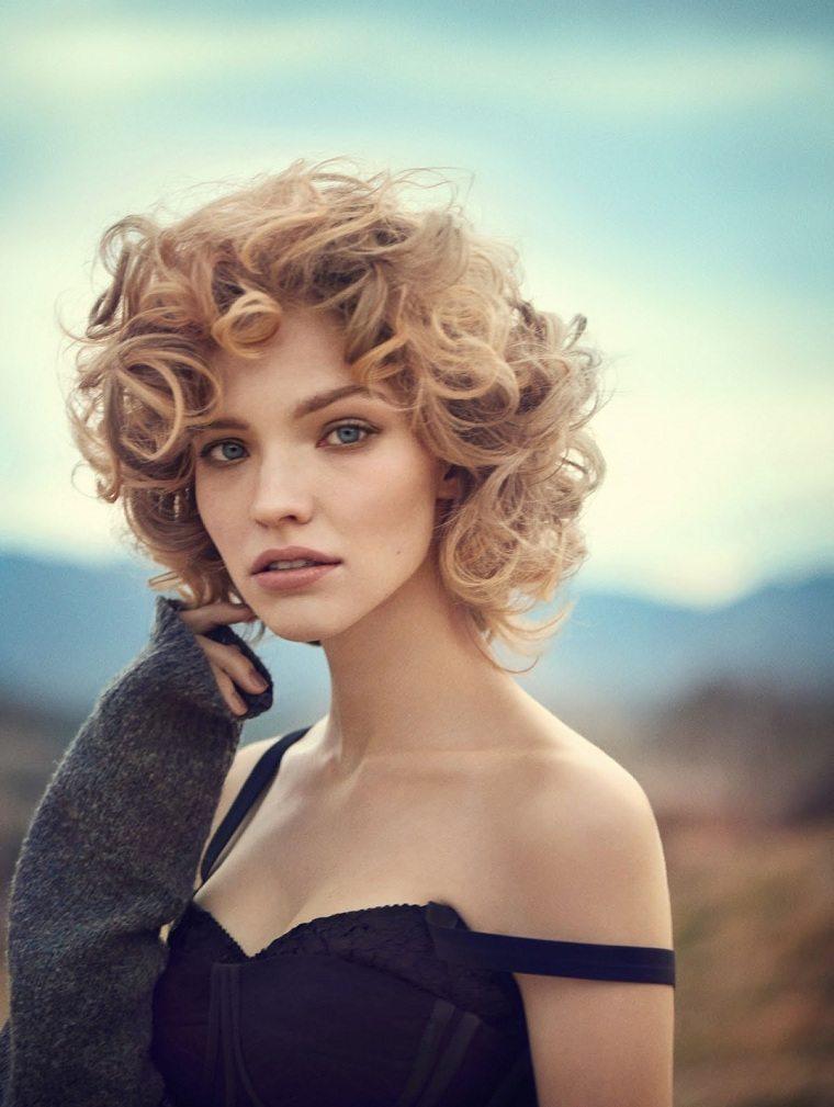 cabello-rizado-opciones-estilo-corto