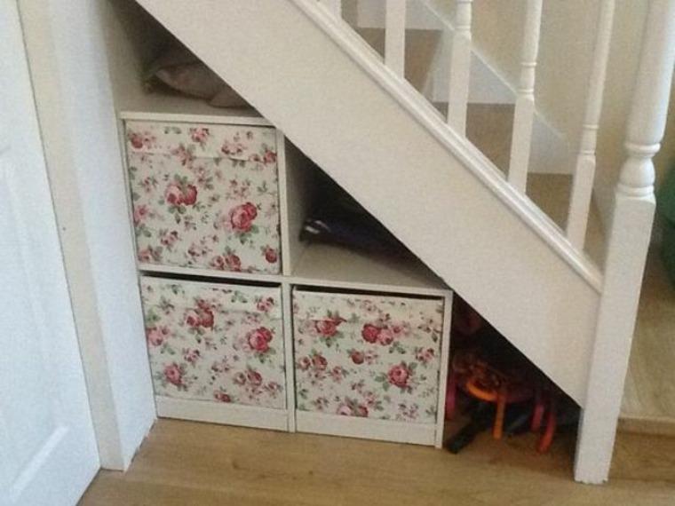 cajas-organizadoras-debajo-de-escalera