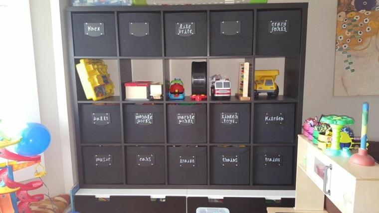 cajas organizadoras etiquetadas
