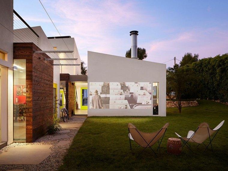 cine en casa en-el-jardín