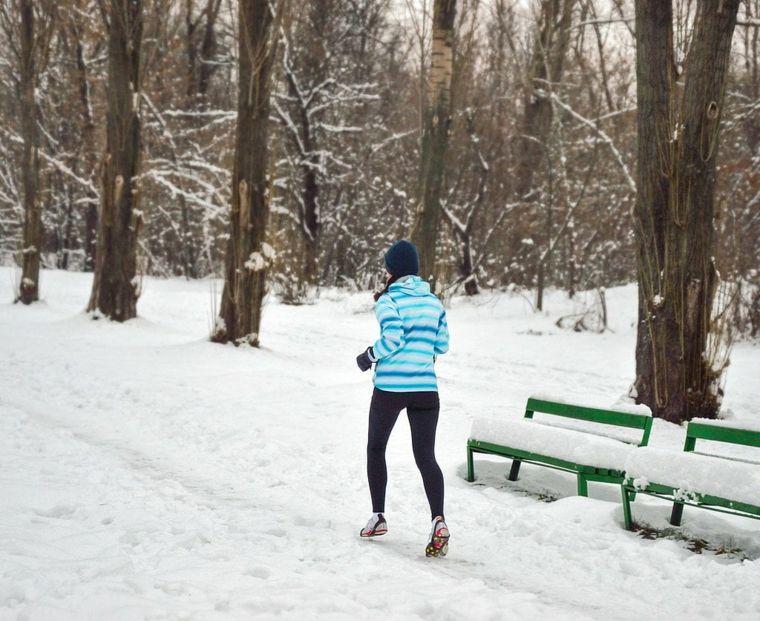 corriendo-en-la-nieve