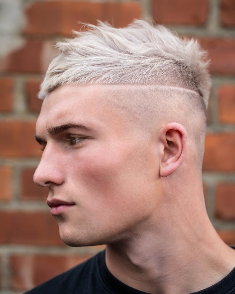 cortes de pelo hombre 2019-combinacion-cabello-rubio-chico